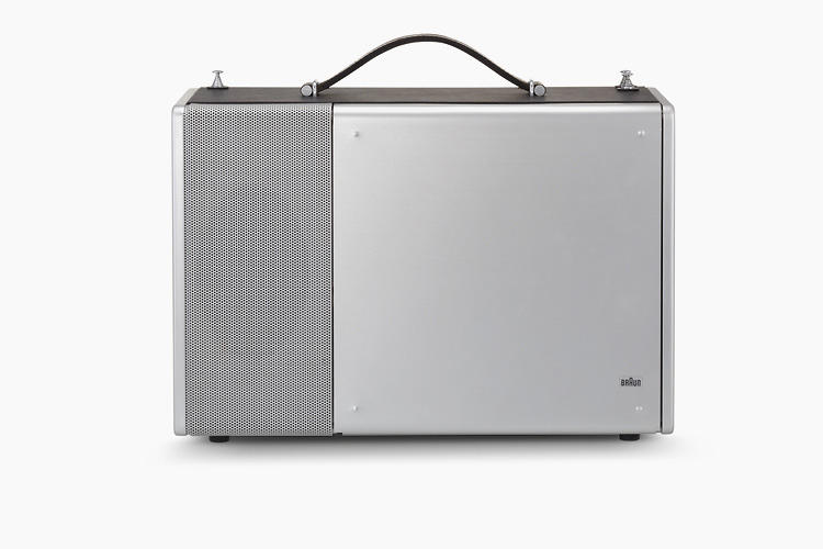 <p>Ive's obesssion with Braun and Dieter Rams runs throughout Apple's work. Compare this radio with…</p>