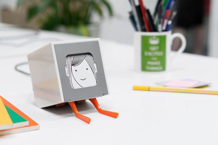 <p><strong><a href=&quot;http://www.fastcodesign.com/1670509/its-finally-out-a-little-printer-that-delivers-a-tiny-custom-newspaper#1&quot; target=&quot;_self&quot;>It's Finally Out: A Little Printer That Delivers A Tiny, Custom Newspaper</a></strong></p>
