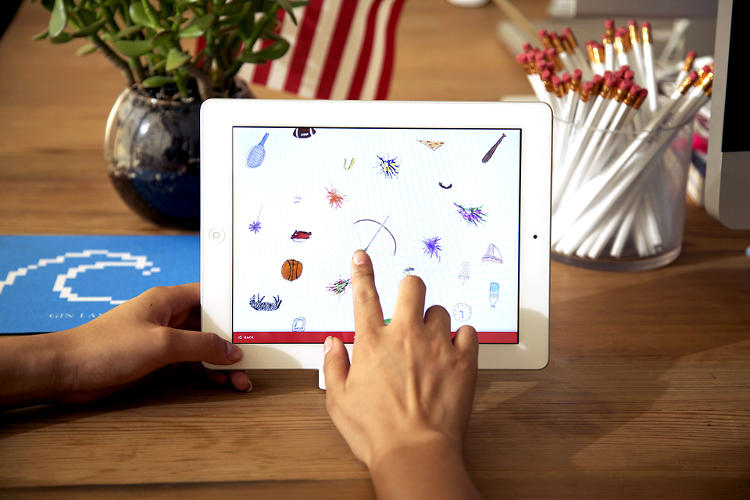 <p>The seven interactive pieces in the tablet app include videos you can doodle on top of, fashion shoots you can arrange with your fingers, and even a few mini-games.</p>