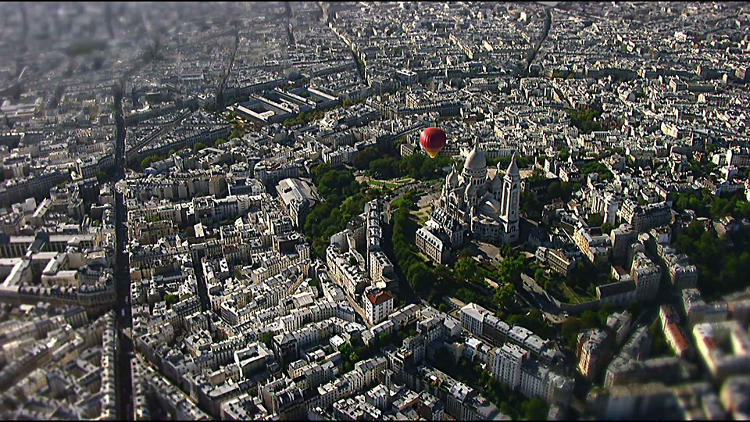 <p>Viewers travel above Paris to learn about its history as part of the first augmented-reality effort to accurately capture Paris through centuries.</p>