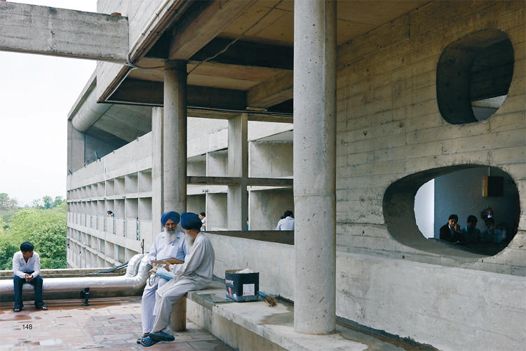 <p>&quot;Le Corbusier's city sixty years later could easily have become a drab concrete expanse over a grid,&quot; Baan writes. &quot;Instead, women in saris, populated city parks, and cricket games bring color and life to the place.&quot;</p>