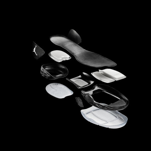 <p>On the sole, a newly minted technology called the Jordan Flight Plate decouples the sole from the heel of the shoe with a carbon fiber bridge.</p>