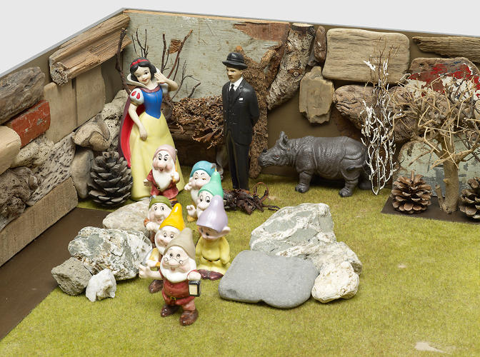 <p>Snow White appears in several of his sculptural pieces, here meeting with an unnamed &quot;Surrealist.&quot;</p>