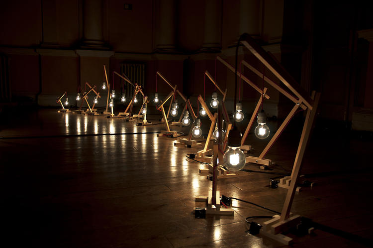 <p>Nocte relies on standard cue lists and presets to keep the choreographed lights going along with the show, but they trigger them manually, and a set of special responsive effects adds to their dramatic behavior.</p>