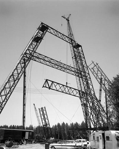 <p><strong>The Facility </strong><br /> Construction of the Lunar Landing Research Facility (LLRF) … this gigantic facility was designed to develop techniques for landing the rocket-powered LEM on the moon's surface.</p>