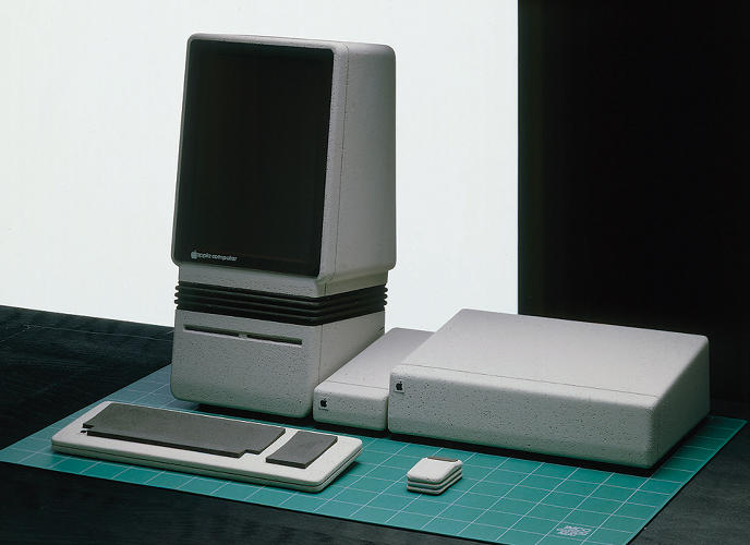 <p>The Apple Snow White 2, &quot;Americana,&quot; 1982. This concept was meant to connect high-tech products with classic American design, &quot;especially Raymond Loewy's streamlined designs for Studebaker and other automotive clients, the Electrolux line of household appliances, Gestetner's office products, and (naturally) the Coke bottle.&quot;</p>