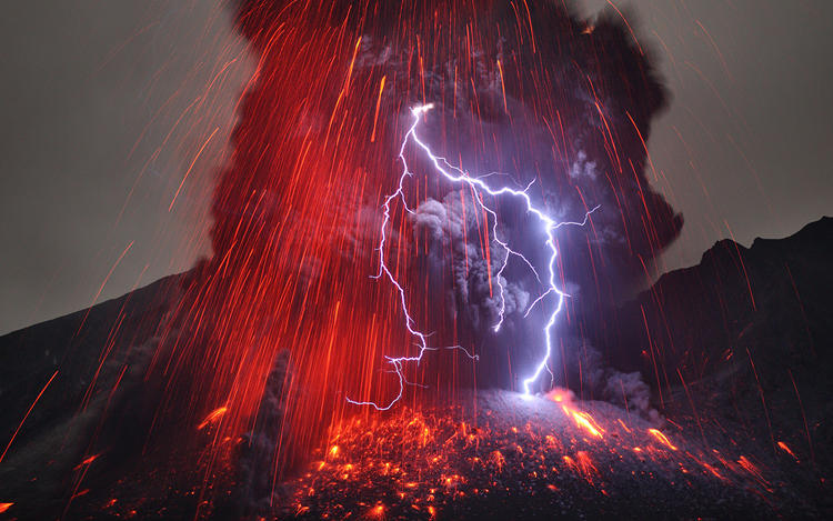 <p>The Sakurajima Volcano, shot by German photographer Martin Rietze.</p>