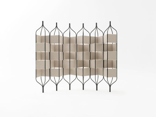 <p>Trellis Bandaged is a room divider manufactured by Innofa and Vertigo Metals.</p>
