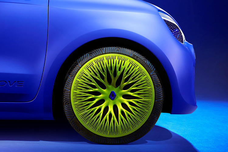 <p>The integrated rim and wheel, with a tire designed specially by Michelin and imprinted with grips that mimic Turing patterns.</p>