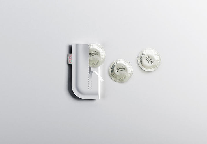 <p>The design features a discrete, &quot;pocket-friendly&quot; pouch that will keep passersby and even the cashier guessing.</p>
