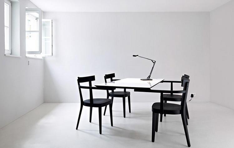 <p>The tables are offered in round and rectangular options.</p>