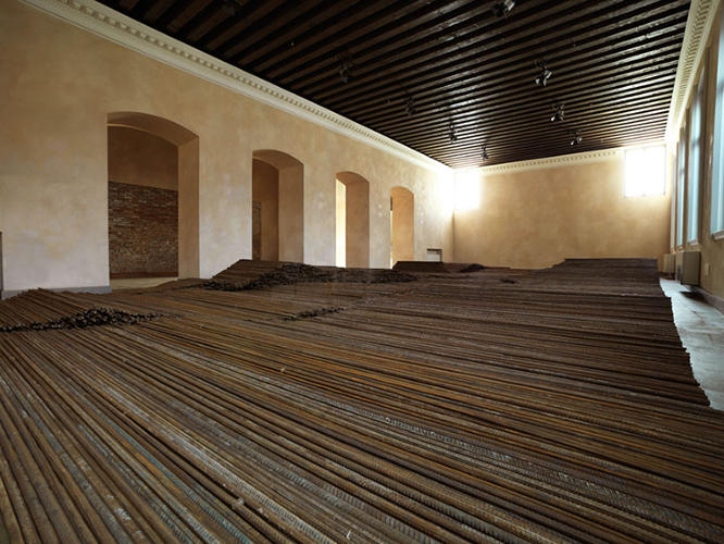 <p>At Venice, Ai filled a room of the Zitelle Project Space, an old convent-turned-gallery, with 150 tons of the same steel rebar.</p>