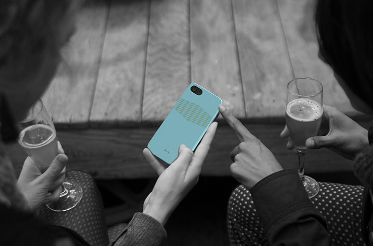 <p>Pong, a protective iPhone case maker, has teamed up with design house Ideo to create the Gold Reveal.</p>