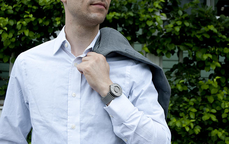 <p>Hyungsoo Kim was surprised there wasn't an effective watch on the market that could be used by both sighted and visually impaired folks.</p>