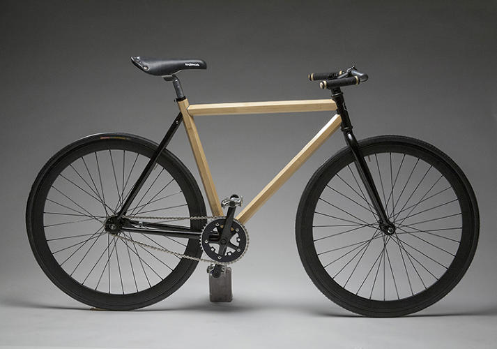 <p>The Semester Commuter is a single-speed bike with an innovative HexTube bamboo frame.</p>