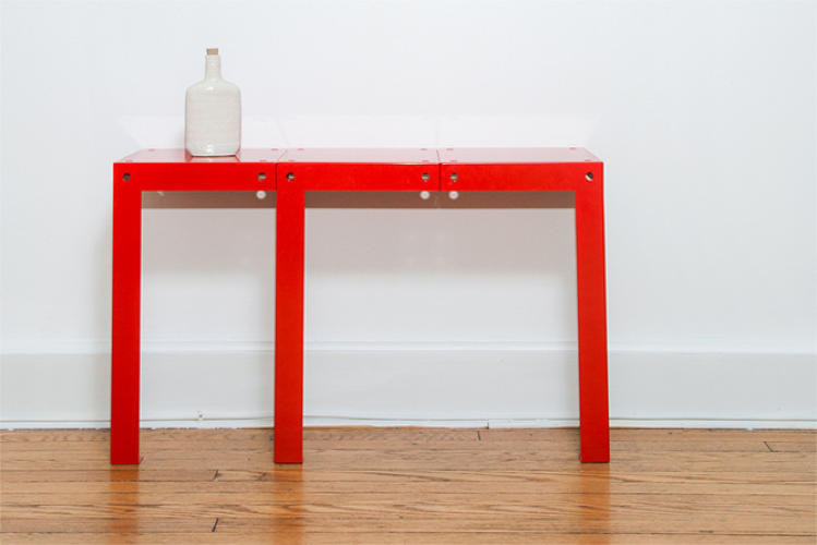 <p>These pieces come together to make various configurations of table.</p>