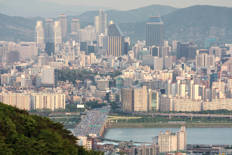 <p>3: <a href=&quot;http://www.shutterstock.com/cat.mhtml?lang=en&amp;search_source=search_form&amp;version=llv1&amp;anyorall=all&amp;safesearch=1&amp;searchterm=seoul+skyline&amp;search_group=#id=59086252&amp;src=084749e39ad15b55b3344fb8ecfd502e-1-2&quot; target=&quot;_blank&quot;>Seoul</a></p>
