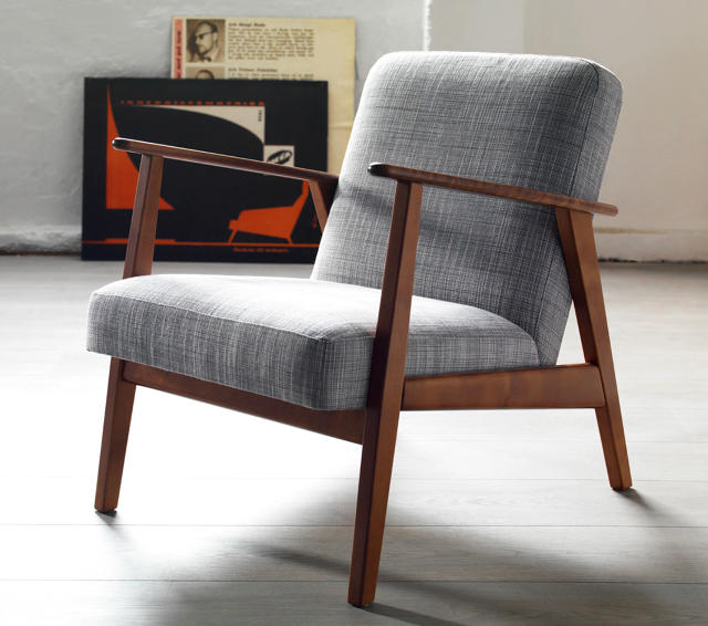 Sedie Legno Bianche likewise Royal Furniture With Papasan Chairs also Mas Ideas Para Patios Pequenos in addition Slcc Costumes Bobs Burgers likewise Ikea Reissues Original Midcentury Furniture. on papasan chair