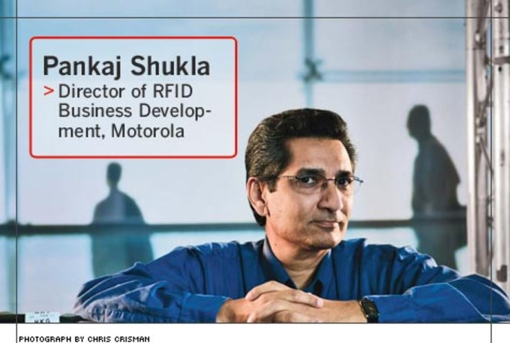 <p> Pankaj Shukla, 48, sells Motorola's luggage-sorting solutions -- which are built on radio-frequency-identification technology -- to airlines and airports, most of which still use bar-code optical-scanner systems to handle baggage.  </p>