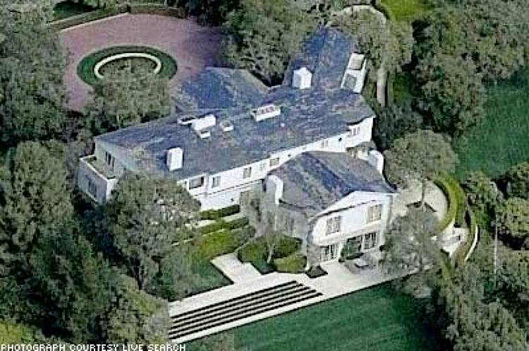 <p><strong>Resident:</strong> David Geffen<br /> <strong>Net Worth:</strong> $4.7 billion<br /> <strong>Location:</strong> Beverly Hills, California<br /> <strong>Price Paid:</strong> $47.5 million<br /> <strong>Estate Size:</strong> 9.4 acres<br /> The Dreamworks executive and founder of Geffen records set a Los Angeles real estate record when he purchased (in cash) this mansion in 1990 from legendary movie mogul, Jack Warner. The price included some of Warner's expensive antiques and other home furnishings. Now the mansion houses most of Geffen's large modern art collection. With a rumored $45 million spent on renovating the estate ($20 million on landscaping alone). The Beverly Hills mansion is estimated to be worth well over $100 million.</p>