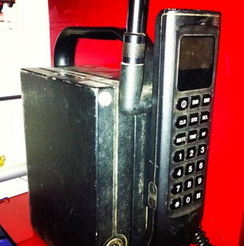 <p>Ben Randall sent us this pic of his first mobile phone: a &quot;proper brick.&quot; The evolution of battery technology is one of the most amazing, and forgotten, aspects of cell phone development.</p>  <p>[<em>Twitter user <a href=&quot;http://www.twitter.com/benrandal&quot; target=&quot;_blank&quot;>benrandal</a></em>]</p>