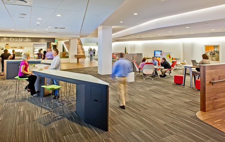 <p>Steelcase's WorkCafé at the company's Grand Rapids, Michigan, headquarters is a space designed with a coffee shop vibe that's a popular spot for both collaboration and solo, focused work, in addition to eating and socializing.</p>