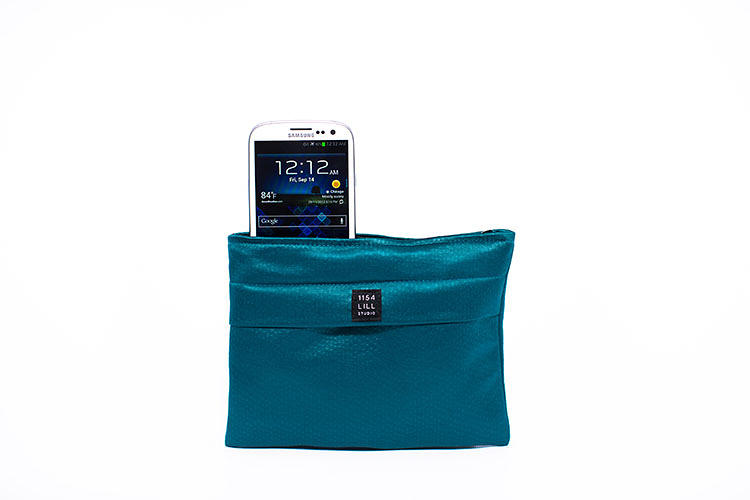 "<p>Will the in-purse charging dock technology apply soon to manbags? Corrigan says, ""We think every purse should be an Everpurse, including backpacks and briefcases.&quot;</p>"