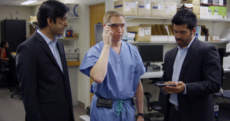 <p>Dr. David Feinstein learns how to use Google Glass to monitor vital signs.</p>