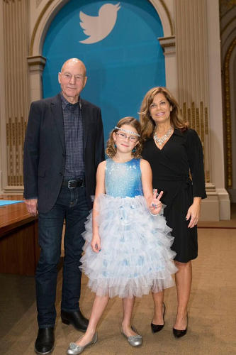 <p>Sir Patrick Stewart, Vivienne Harr, and Bureau Chief of the Boston Police Dept Cheryl Fiandaca ring the bell for Twitter.</p>
