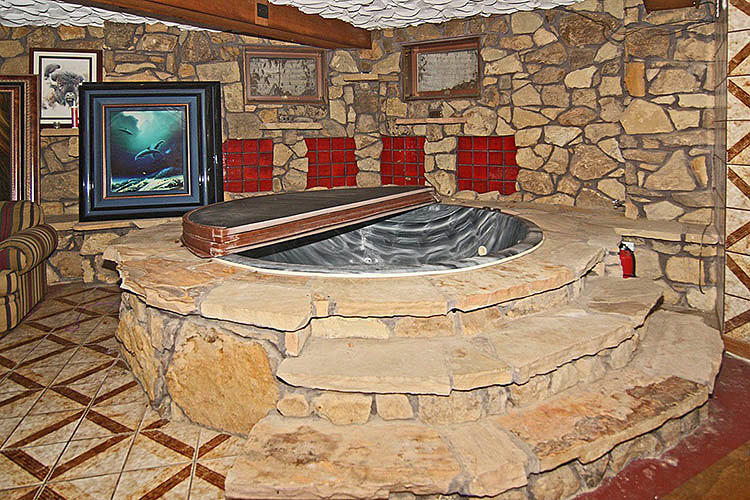<p>Hostetler--who in his early 20s may have been one of the top pimps in Indianapolis, nicknamed &quot;Mr. Big&quot; by police--turned a stone grotto into a hot tub.</p>
