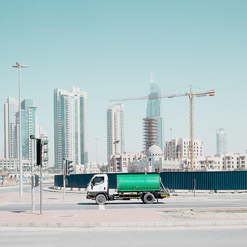 <p>Eerie photos show the strange emptiness of Dubai: You can build a shiny modern metropolis out of nothing, <a href=&quot;http://www.fastcoexist.com/1682320/eerie-photos-show-the-strange-emptiness-of-dubai&quot; target=&quot;_self&quot;>but how do you create the bustle of a city?<br /> </a></p>