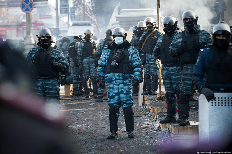 <p>&quot;[Berkut] are the main fighting force here. They shoot at the crowd. They genuinely hate people on the other side of the barricades. ... There is plenty of scumbag on both sides and it's scary.&quot;</p>