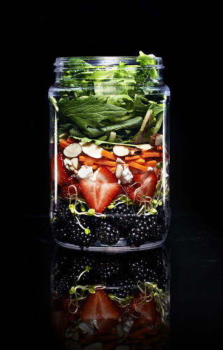 <p>Each morning, it's filled with freshly-made salads and snacks packed in recyclable jars.</p>