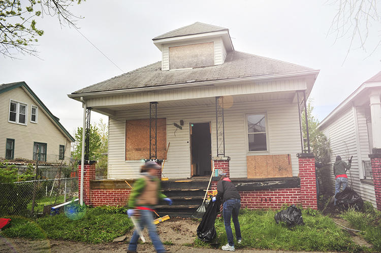 <p>A new Detroit nonprofit wants to give talented writers houses for free.</p>