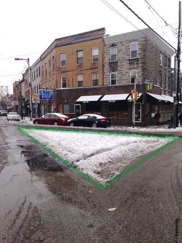 <p>Check out all the street space that cars aren't using. A &quot;<a href=&quot;http://www.thisoldcity.com/advocacy/photos-what-snow-tells-us-about-creating-better-public-spaces-e-passyunk-avenue#.UvOmVEJdURD&quot; target=&quot;_blank&quot;>sneckdown</a>&quot; reveals the patterns.</p>