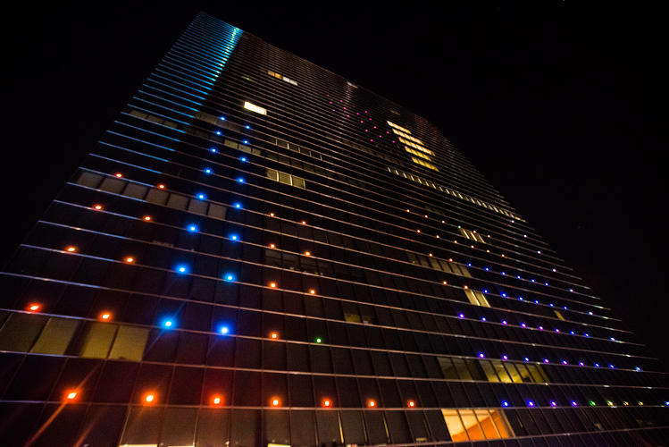 <p>Up close view of Tetris being played on the Cira Center in Philadelphia.</p>