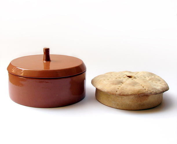 <p>Manthou's kit includes a recipe for bread that will turn out strong enough to serve as a box, a ceramic dish for baking the bread, and a special tool that creates dotted lines in the dough so the bread can easily be divided for each person later.</p>