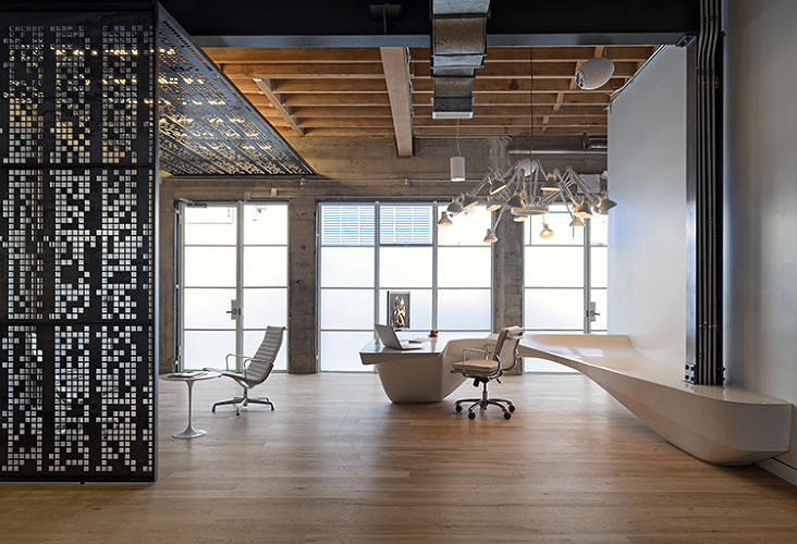 <p><a href=&quot;http://www.fastcodesign.com/3026372/a-star-wars-inspired-office-in-the-heart-of-silicon-valley&quot; target=&quot;_self&quot;>Giant Pixel's office, </a>designed by Studio O+A, features a large, perforated-steel screen at its entryway, which reads the opening crawl from Star Wars.</p>