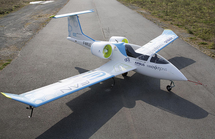 <p>The tiny new E-Fan airplane from Airbus runs completely on electric power.</p>