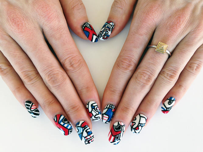 <p>Kenna's most recent manicure is an homage to a 1974 work by French artist Jean Dubuffet.</p>
