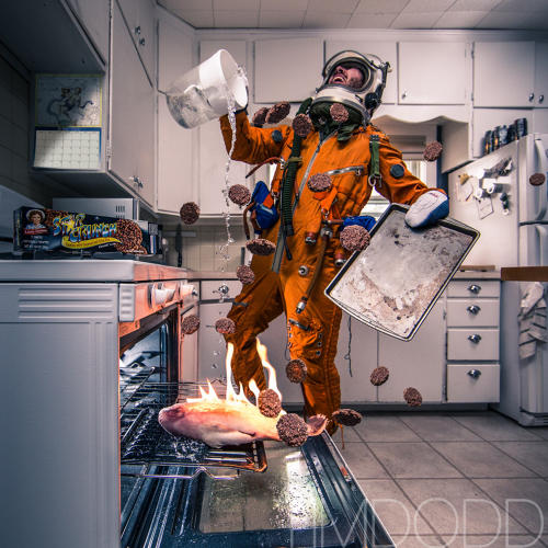 <p>When photographer Tim Dodd happened to find a vintage Russian high altitude space suit on an auction website, he decided he couldn't live without it.</p>