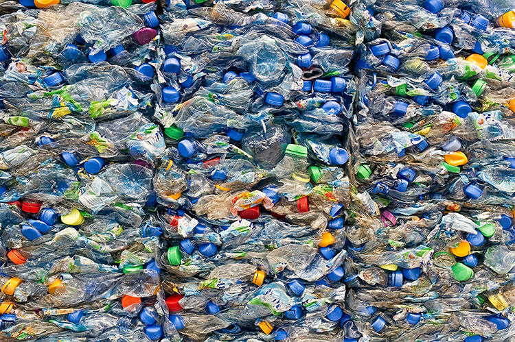<p>Floating garbage patches? Not in the future. The report expects packaging made from plant-derived cellulose to dominate by 2025.</p>