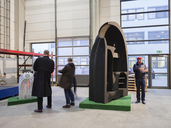 <p>If you've ever fantasized about bursting forth from a scallop shell, Birth of Venus style, a new 3-D printed architecture project might be able to fulfill that dream.</p>