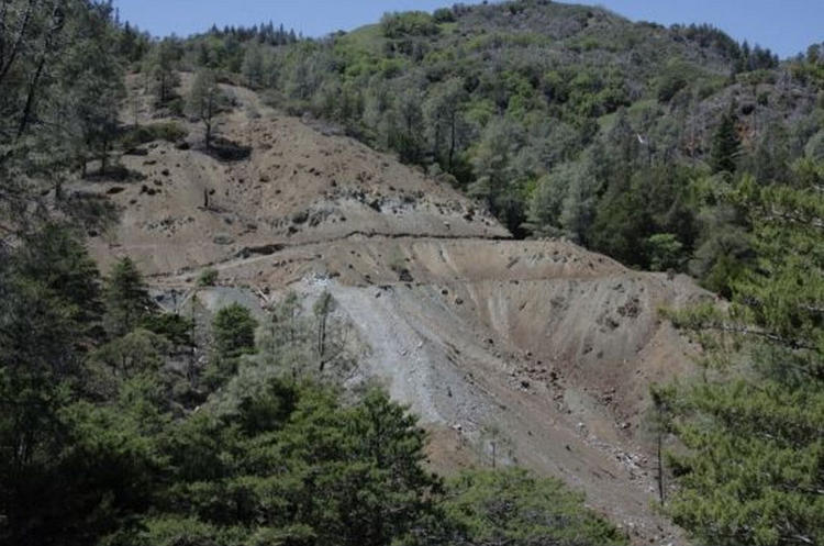 <p>Will old abandoned mines like this one soon see vast fields of hyperaccumulators growing on top of them?</p>
