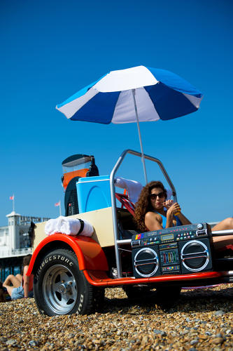 <p>The two-seater is rigged up with an umbrella and a GPS tracker that follows the sun's movements to ensure that maximum shade levels are attained.</p>