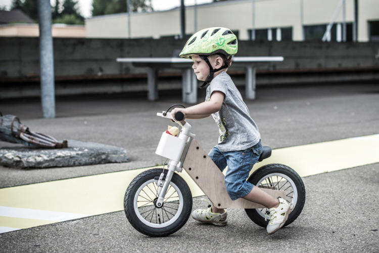 <p>The Miilo bike starts as a simple balance bike without pedals.</p>