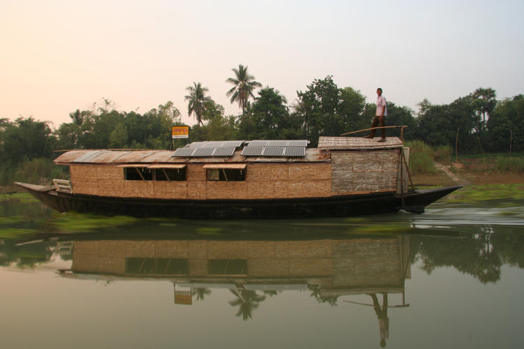 <p>Shidhulai Swanirvar Sangstha's 22 school boats already educate 1,800 kids. But Rezwan wanted something that would let kids run around, not just study.</p>