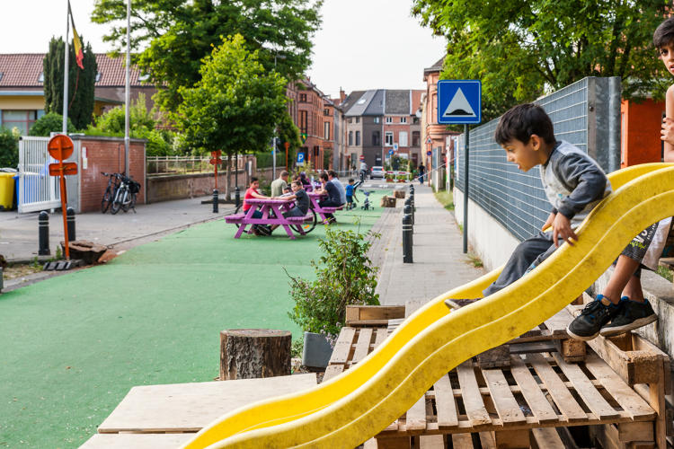 <p>The experiment gave neighbors the opportunity to see what life would be like without cars.</p>