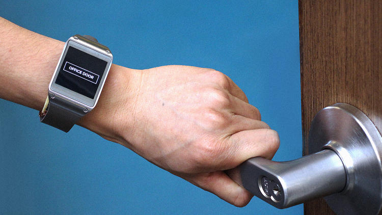 <p><strong><a href=&quot;http://www.fastcodesign.com/3053374/this-10-hack-could-let-your-apple-watch-sense-everything-you-touch&quot; target=&quot;_self&quot;>This $10 Hack Could Let Your Apple Watch Sense Everything You Touch</a></strong><br /> There's a big problem in technology today. Our phones and watches are jam packed with radio antennas and sensors to communicate with the smart devices around us. But most of the world isn't smart. It's full of dumb old door handles and toolsets we've inherited from parents. So our mighty apps and &quot;connected experiences&quot; can't see any of it. But this new technology could help future wearables figure out the world around us, and interact with them in smart new ways.</p>