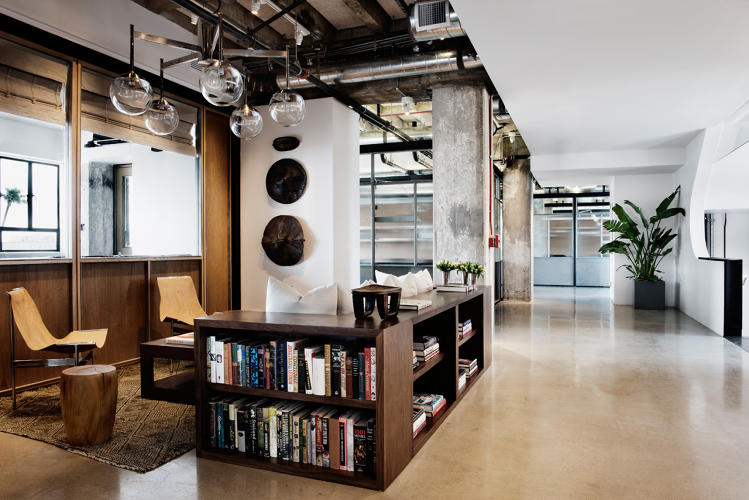 <p>The fourth and fifth floors offer a balance of atelier desks, more private studios, and intimate lounge areas.</p>